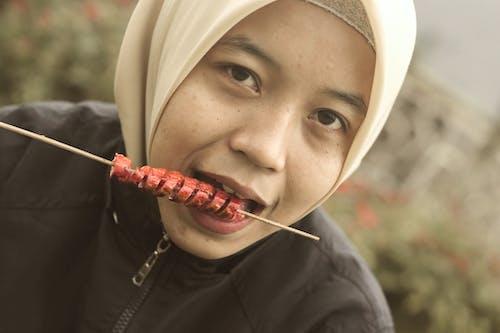 Kostenloses Stock Foto zu hijab, indonesien, outdoor-fotografie