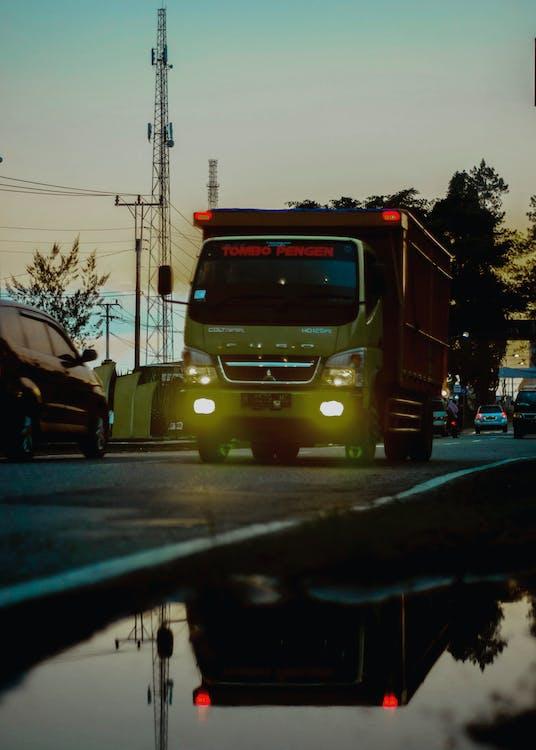 ciężarówka, fotografia uliczna, góra