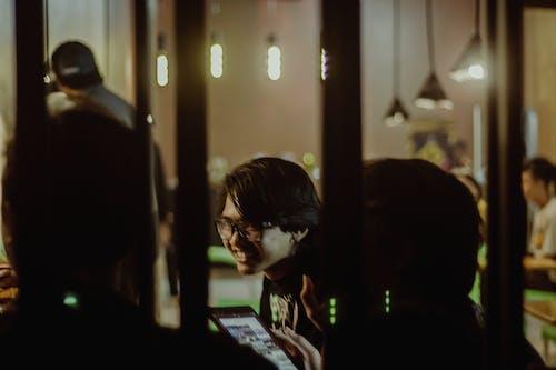 คลังภาพถ่ายฟรี ของ ภาพพอร์ตเทรต, ร้านกาแฟ, อินโดนีเซีย
