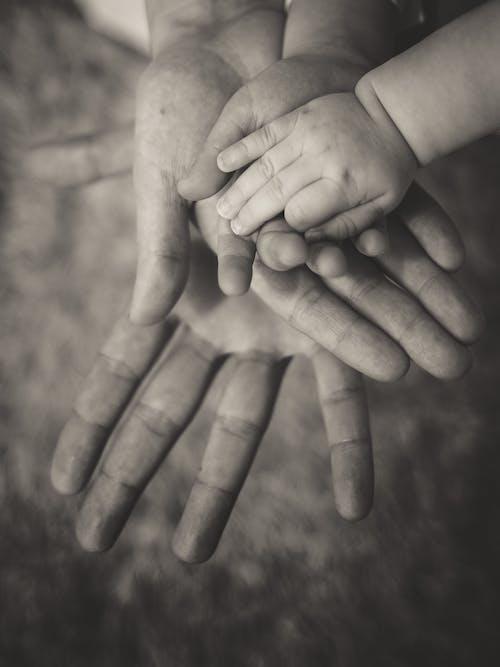 남편, 아기, 아내, 아버지와 자식의 무료 스톡 사진