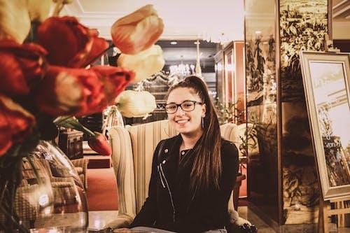 Ilmainen kuvapankkikuva tunnisteilla kukat, muotokuva, tyttö