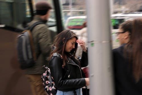 Ilmainen kuvapankkikuva tunnisteilla epäselvä liike, kadut, liike, tyttö