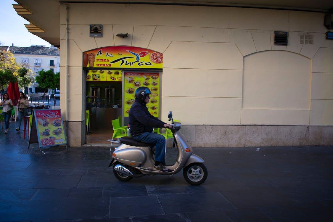 άνδρας, δρόμος, μοτοσικλέτα