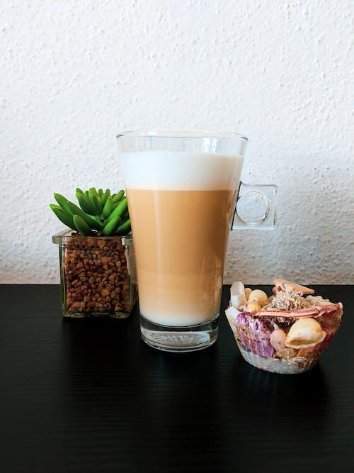 Gratis stockfoto met hete koffie, huisdecoratie, koffie, latte