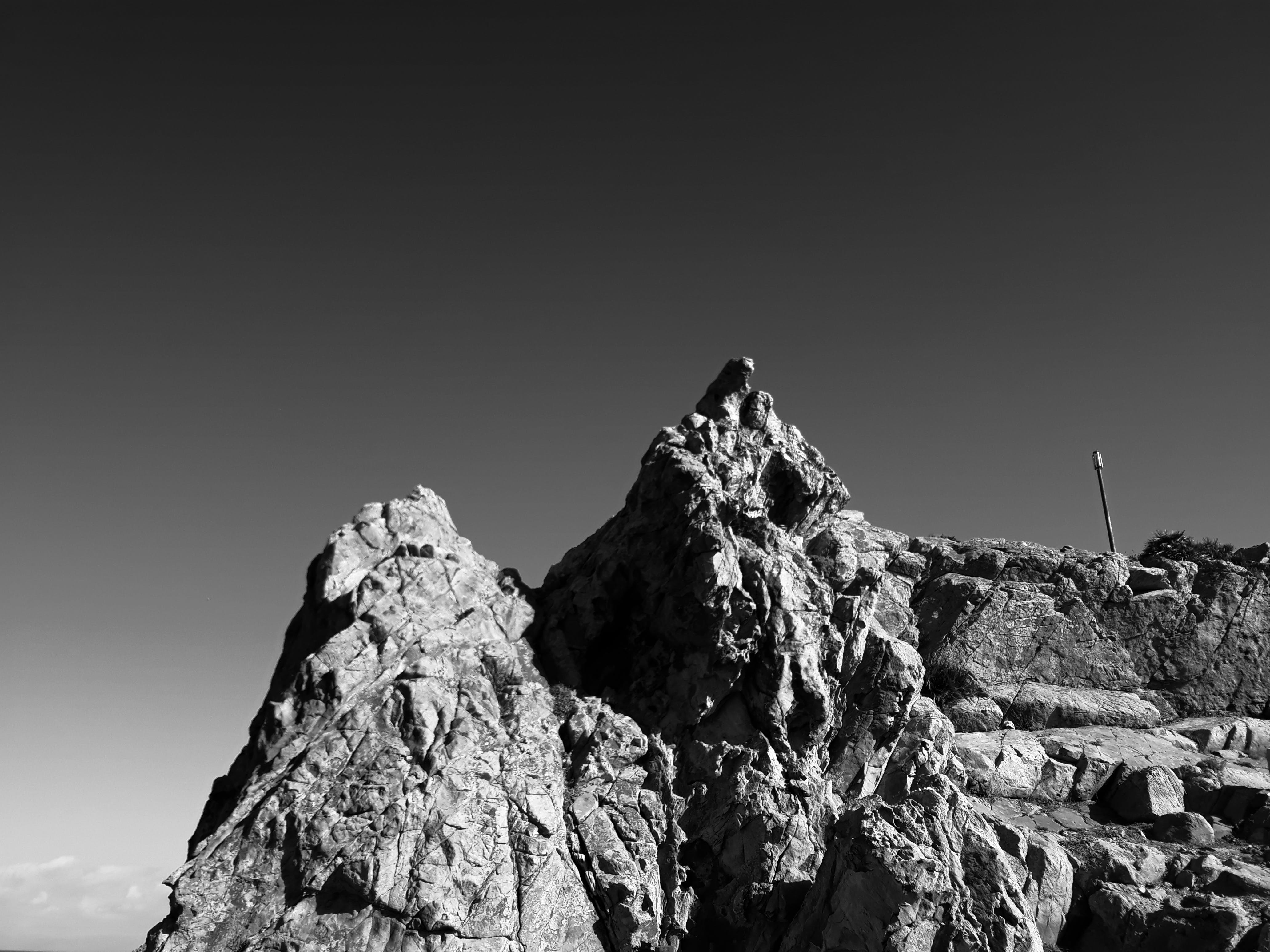 Δωρεάν στοκ φωτογραφιών με rock, αναρριχώμαι, ασπρόμαυρο, βουνό