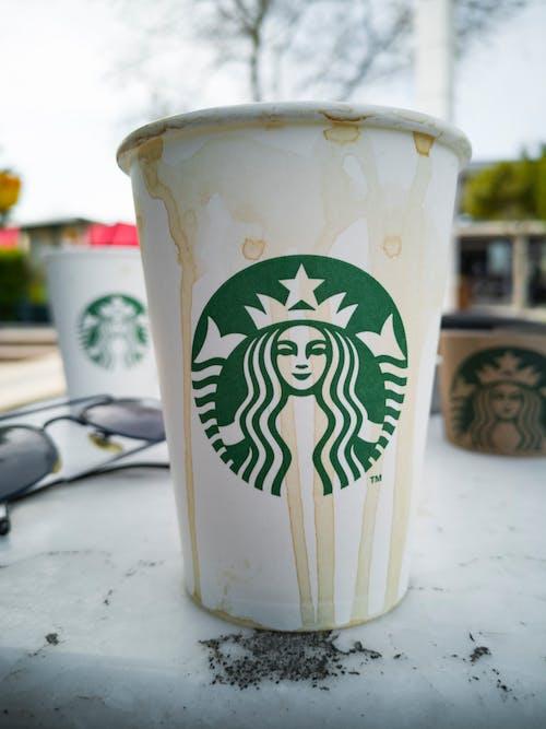 Foto d'estoc gratuïta de beguda, beure, cafè, concentrar-se