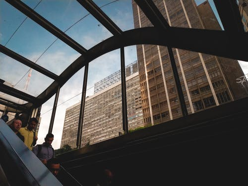 bardak, binalar, gökdelen, insanlar içeren Ücretsiz stok fotoğraf