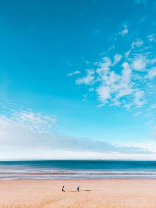 Ilmainen kuvapankkikuva tunnisteilla aurinkoinen, hiekka, hiekkaranta, horisontti