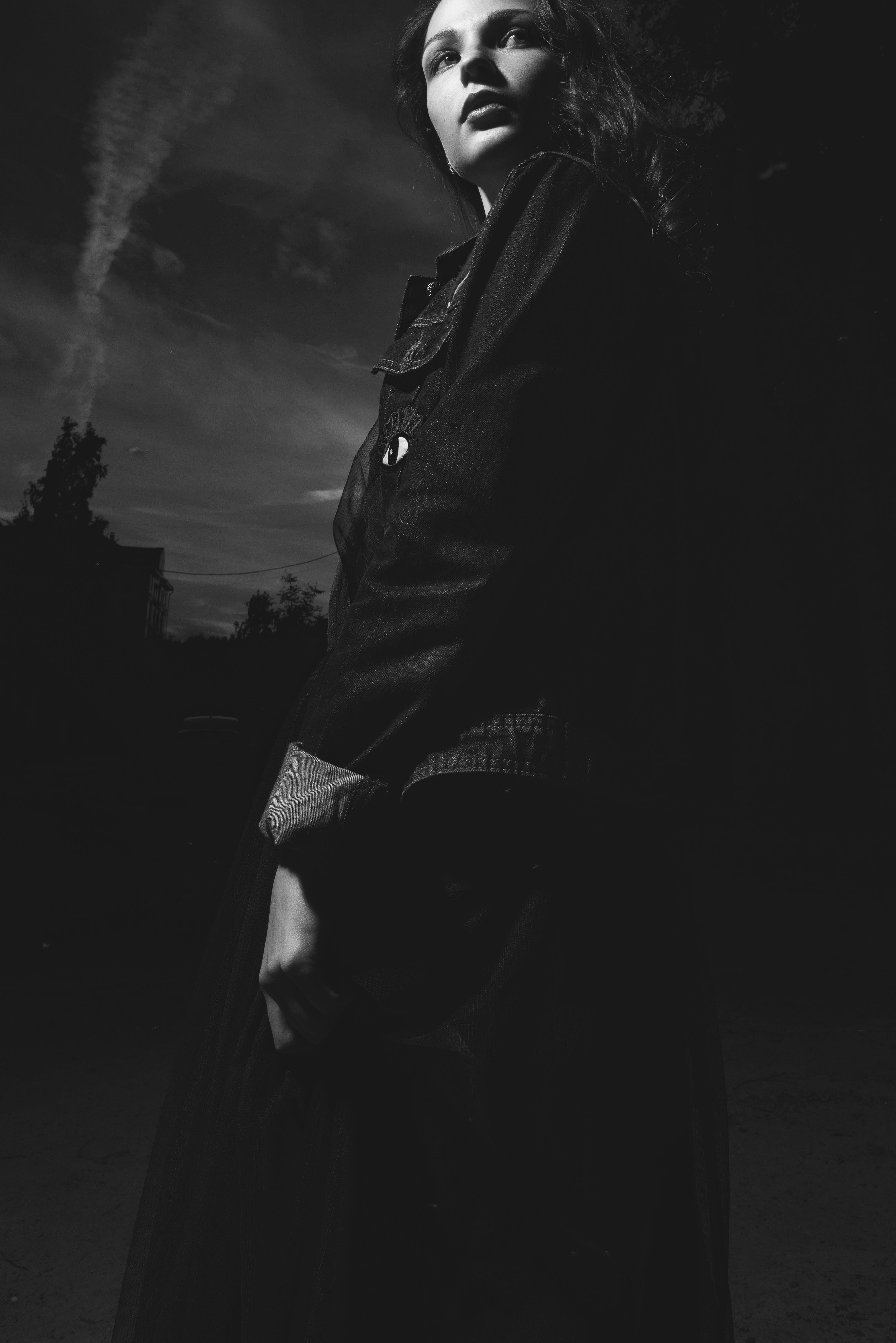 Foto d'estoc gratuïta de abric, bellesa, blanc i negre, bonic