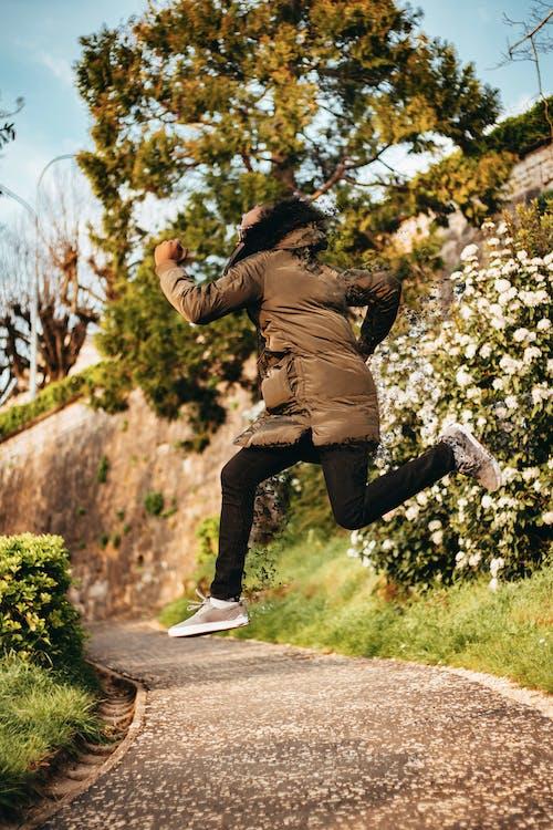 Fotobanka sbezplatnými fotkami na tému aktívny, bunda, človek, denné svetlo