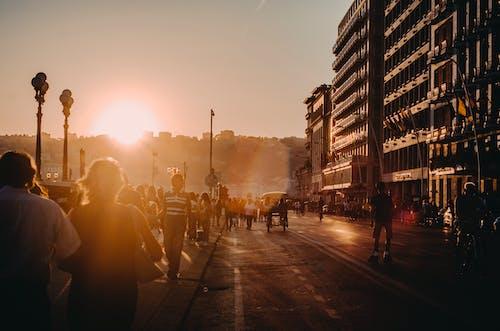 Gratis stockfoto met dageraad, mensen, morgenstond, plaats