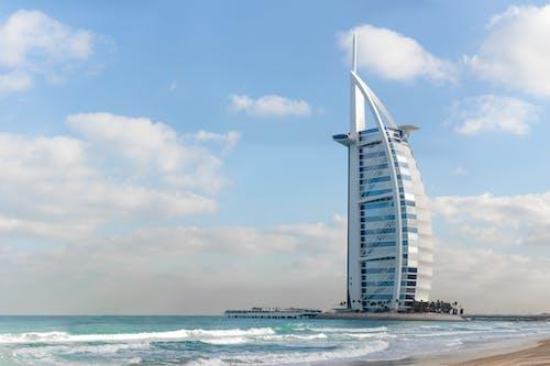 Gratis arkivbilde med arkitektur, burj al arab, bygning, de forente arabiske emirater