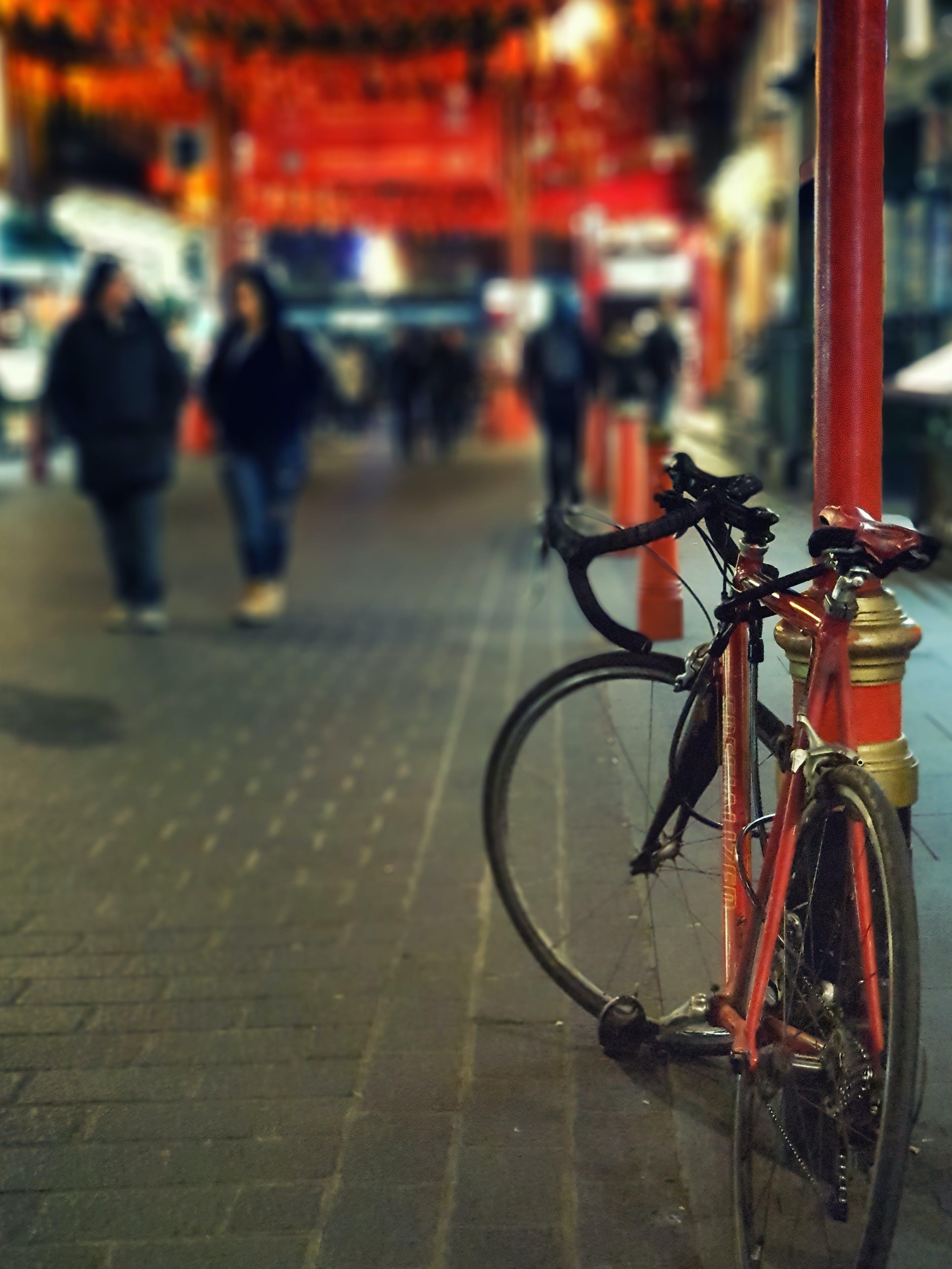 Kostenloses Stock Foto zu bürgersteig, fahrrad, transportsystem