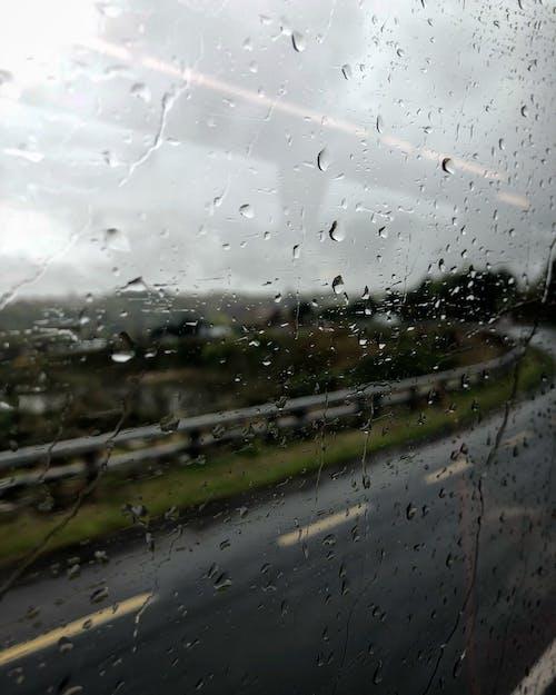 İrlanda, yağmur damlaları içeren Ücretsiz stok fotoğraf