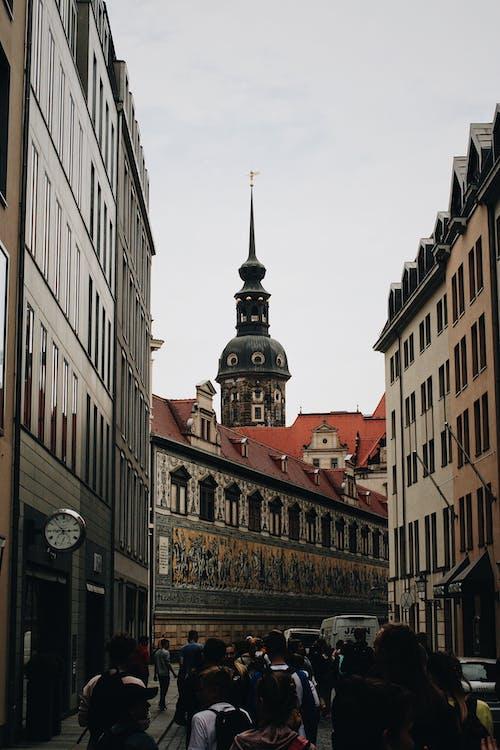 Immagine gratuita di architettura, auto, cielo, cittadina