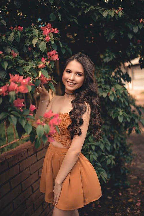 Gratis arkivbilde med attraktiv, blomster, bruke, dagslys