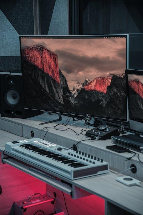 Gray Flat Screen Tv