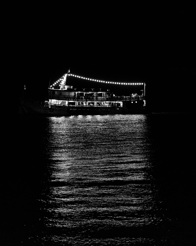 Ingyenes stockfotó fekete-fehér, fények, fényvisszaverődés, hajóm csónak témában