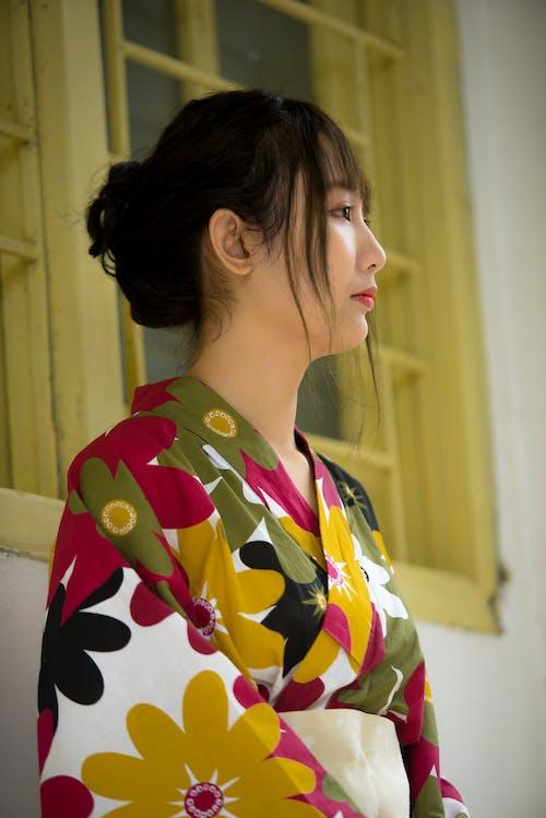 Безкоштовне стокове фото на тему «азіатська жінка, вид збоку, Гарний, жінка»