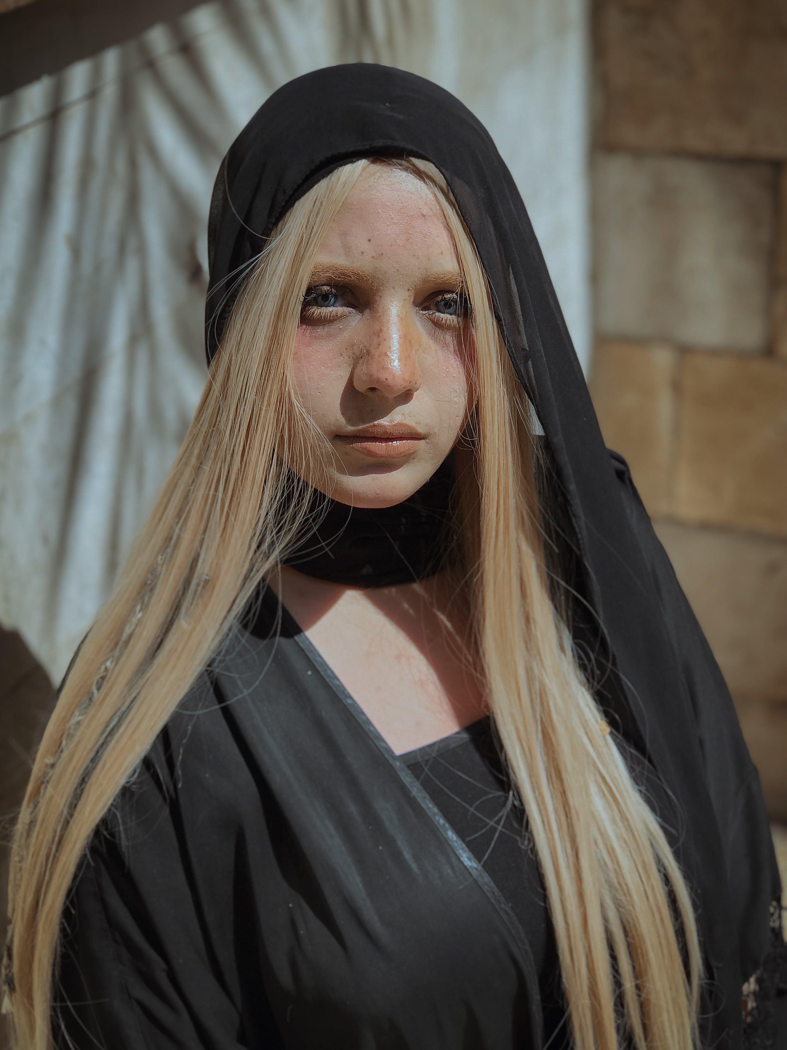 Darmowe zdjęcie z galerii z długie włosy, kobieta, nosić, oczy