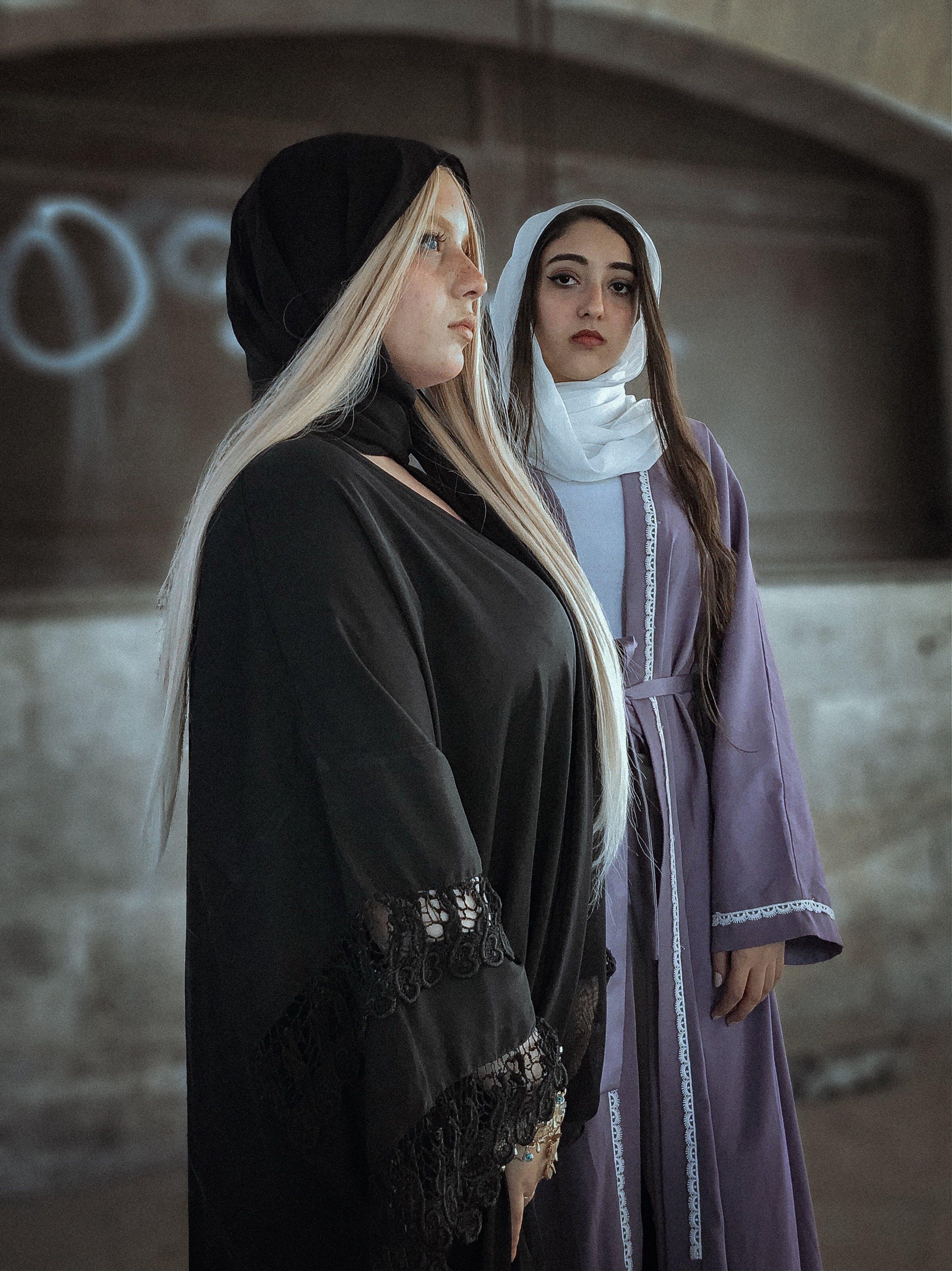 Kostnadsfri bild av ha på sig, hijab, kvinnor, människor