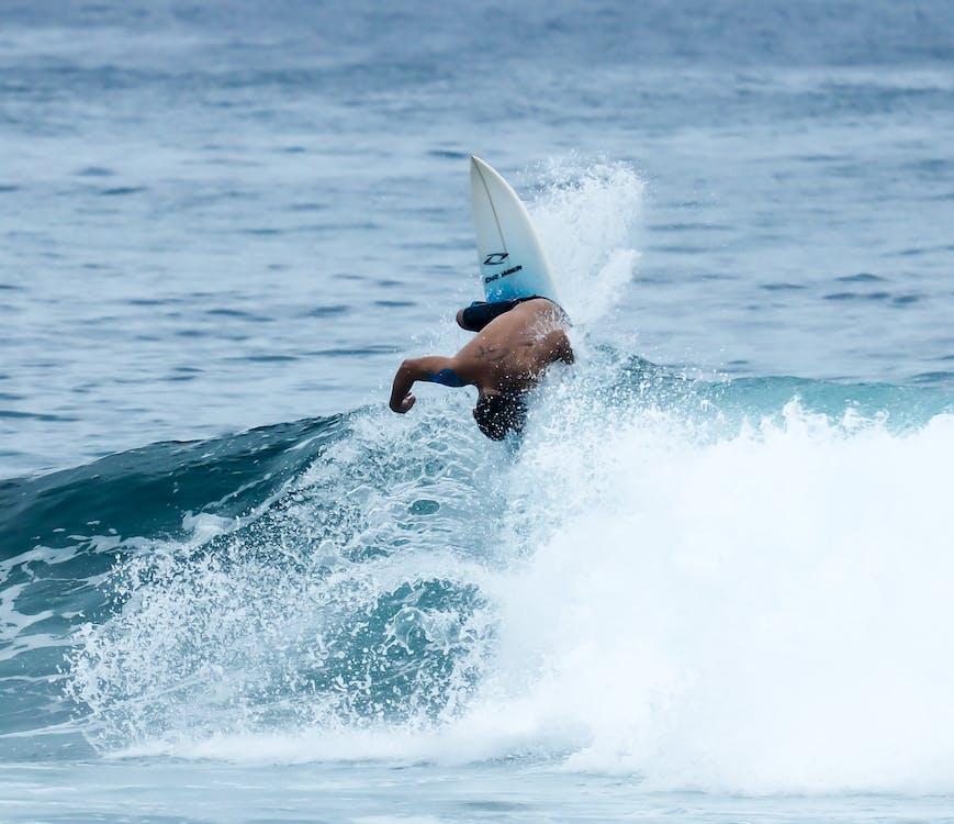 Surf, άθλημα, αθλητής