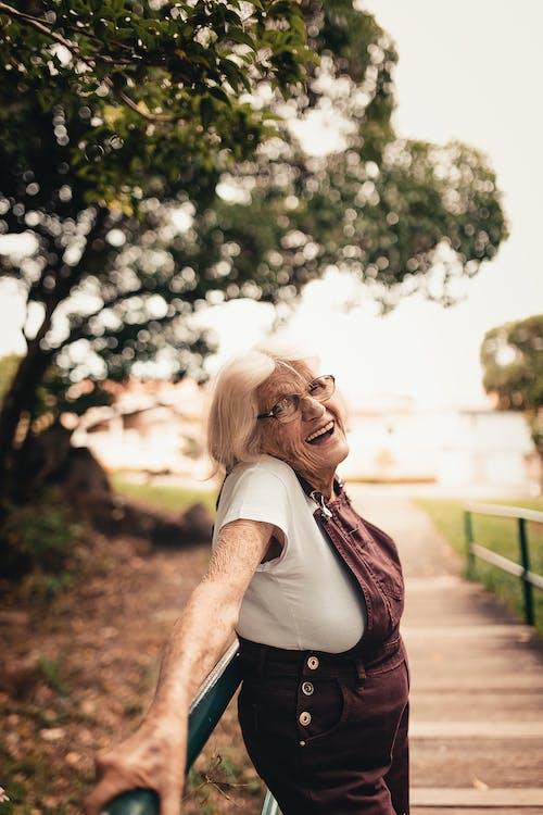 休閒, 大笑, 女人, 幸福 的 免费素材照片