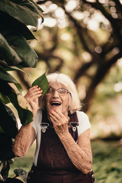 Immagine gratuita di anziano, bellissimo, carino, divertimento