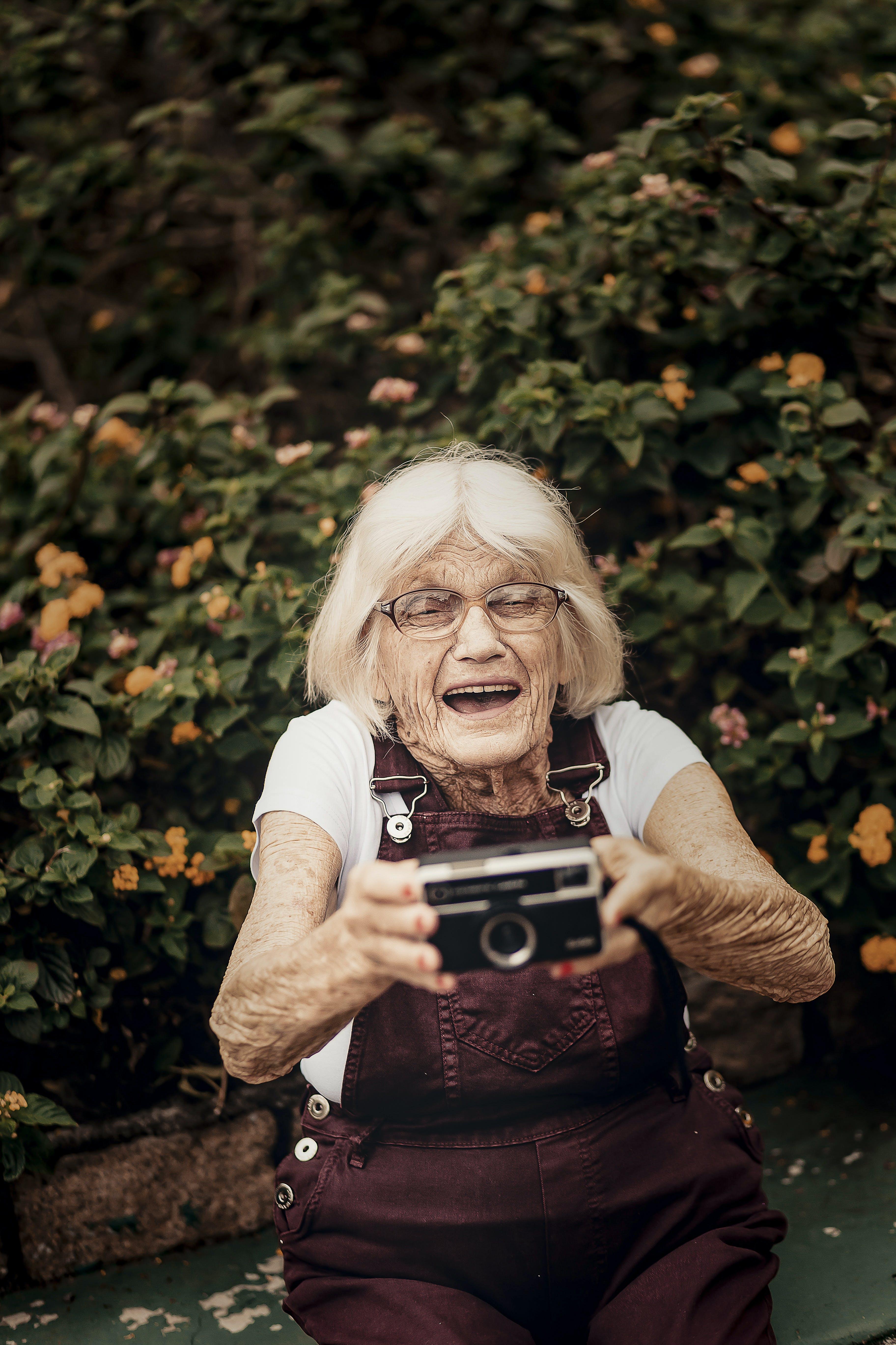 Kostnadsfri bild av äldre, kvinna, person, porträtt