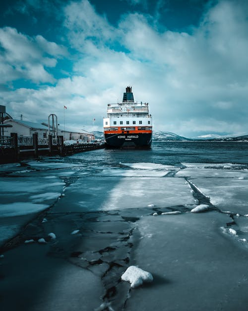 Безкоштовне стокове фото на тему «іній, Водний транспорт, гавань, корабель»