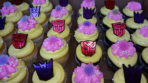 Free stock photo of autobots, cupcakes, frosting, frosting flowers