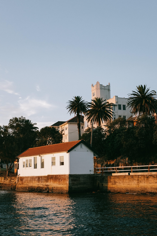 Безкоштовне стокове фото на тему «Windows, архітектура, будівлі, вода»