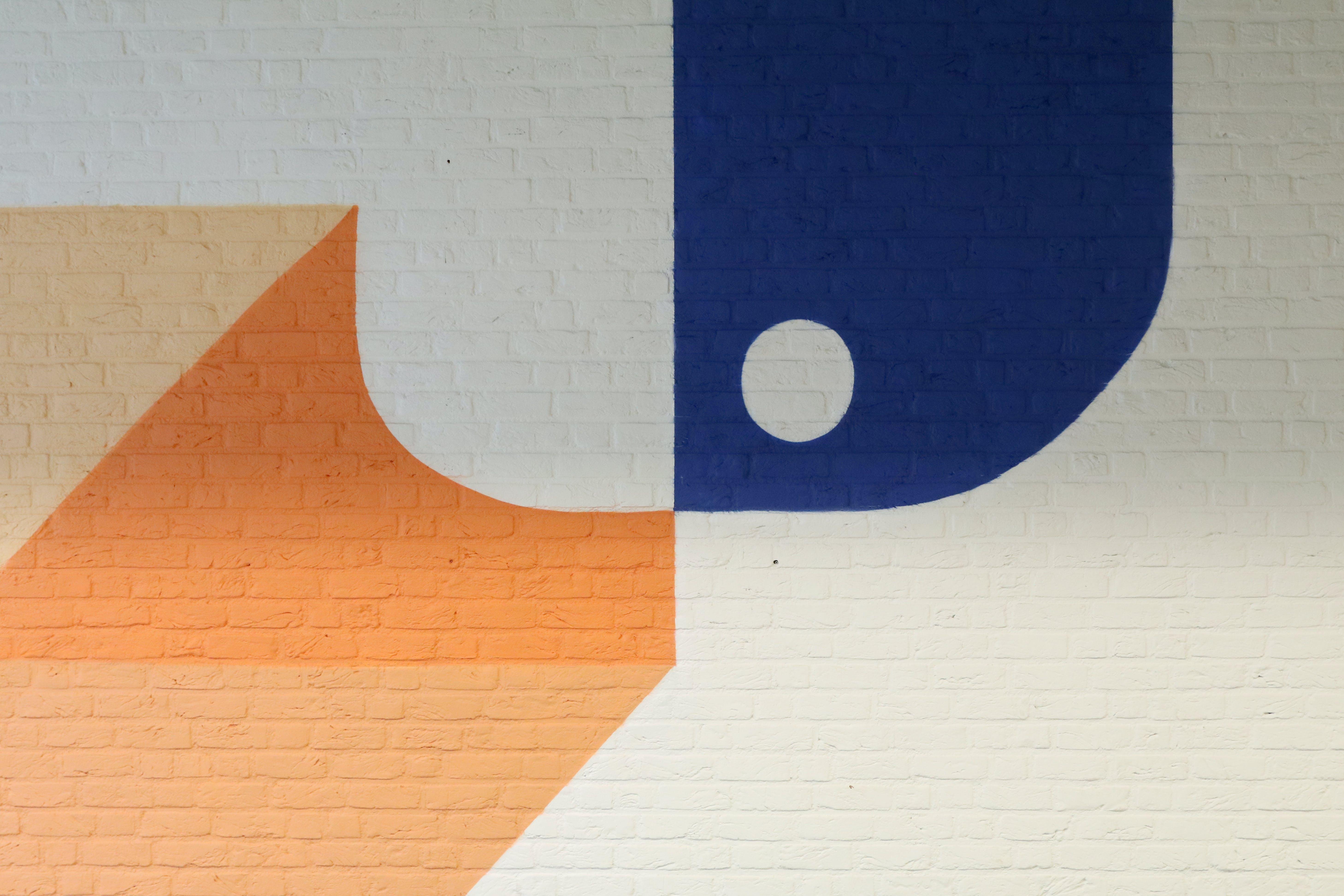 Kostenloses Stock Foto zu abstrakt, backsteinmauer, bemalte wand, blau