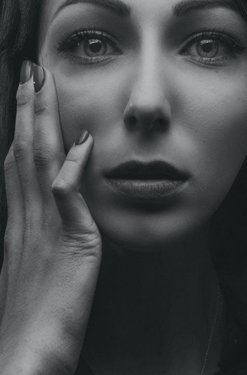 девушка, портрет, студия, черноеибелоеの無料の写真素材