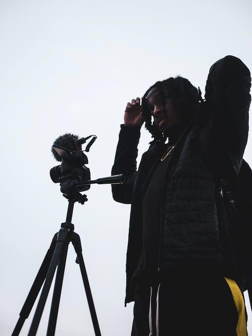 Gratis stockfoto met camera, cameralens, daglicht, driepoot