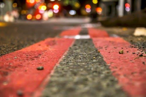 Foto d'estoc gratuïta de ciutat, senyals de trànsit, vermell