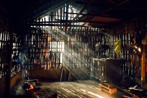 Безкоштовне стокове фото на тему «сарай, сільський, сонячне світло»