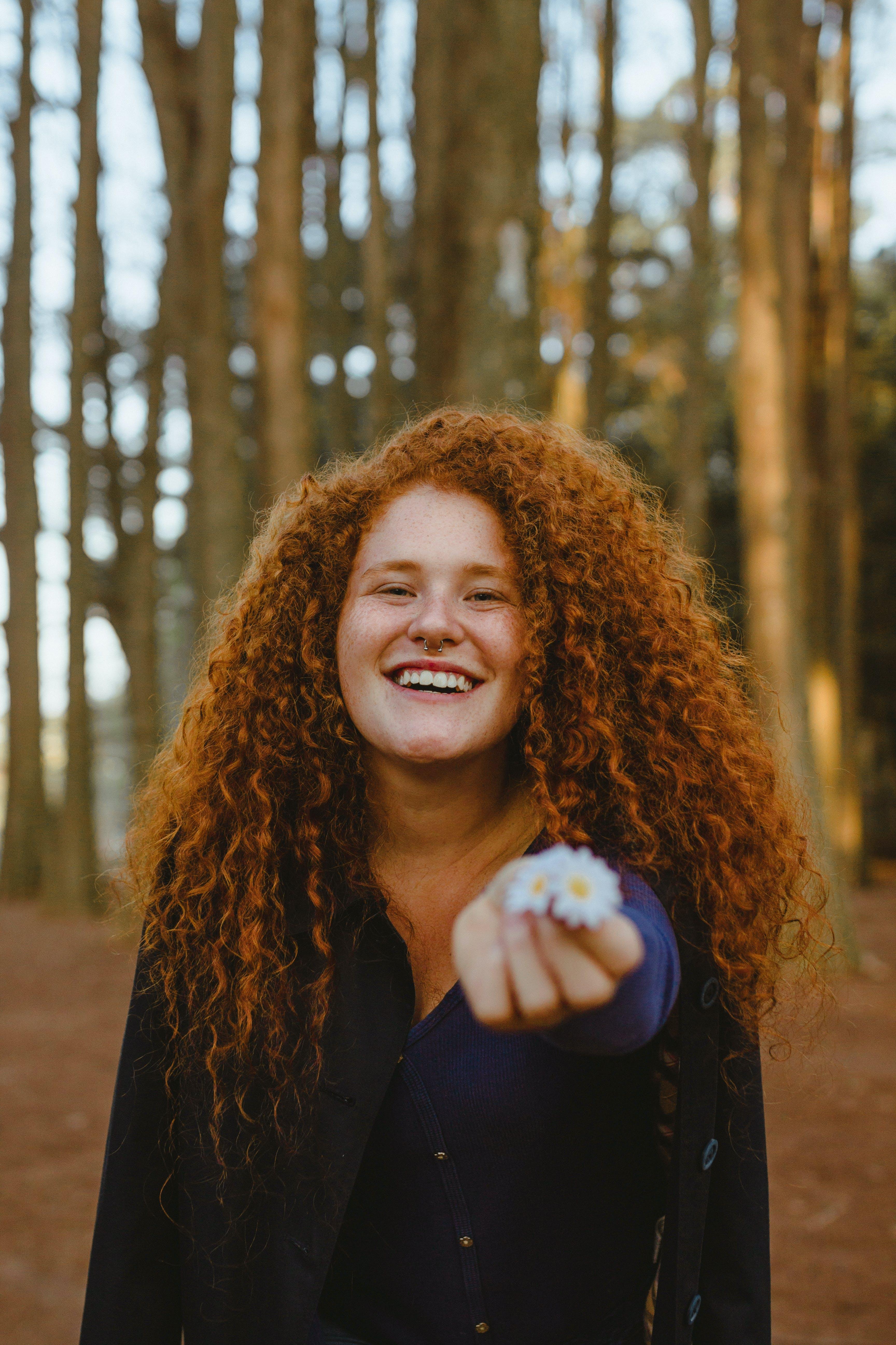 Ilmainen kuvapankkikuva tunnisteilla hymyily, ilme, kaunis nainen, lähikuva