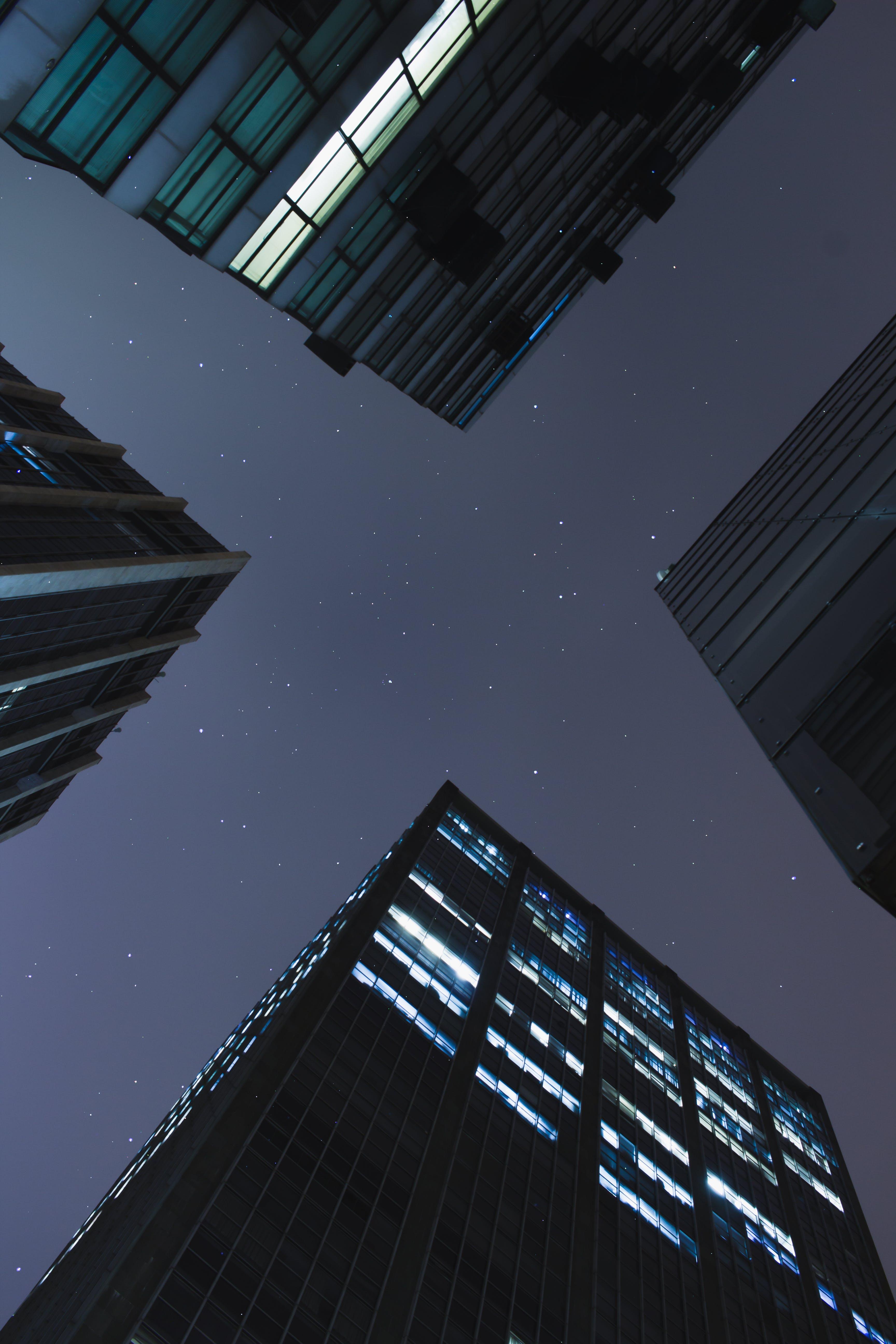 Kostenloses Stock Foto zu architektur, architekturdesign, aufnahme von unten, fassade