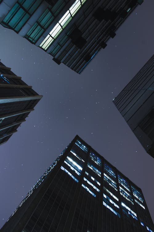 ガラスアイテム, コンテンポラリー, モダン, ローアングルショットの無料の写真素材