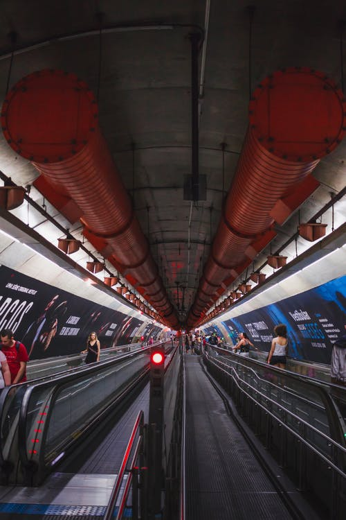Ilmainen kuvapankkikuva tunnisteilla arkkitehtuuri, ihmiset, liike, liikennejärjestelmä