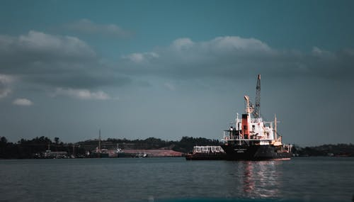 Fotos de stock gratuitas de barco, barco de carga, embarcación, mar