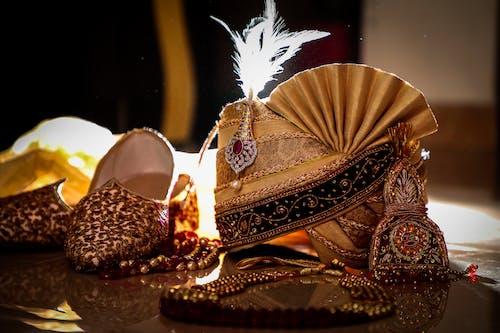 傳統服飾, 婚紗, 婚紗禮服, 室內 的 免费素材照片