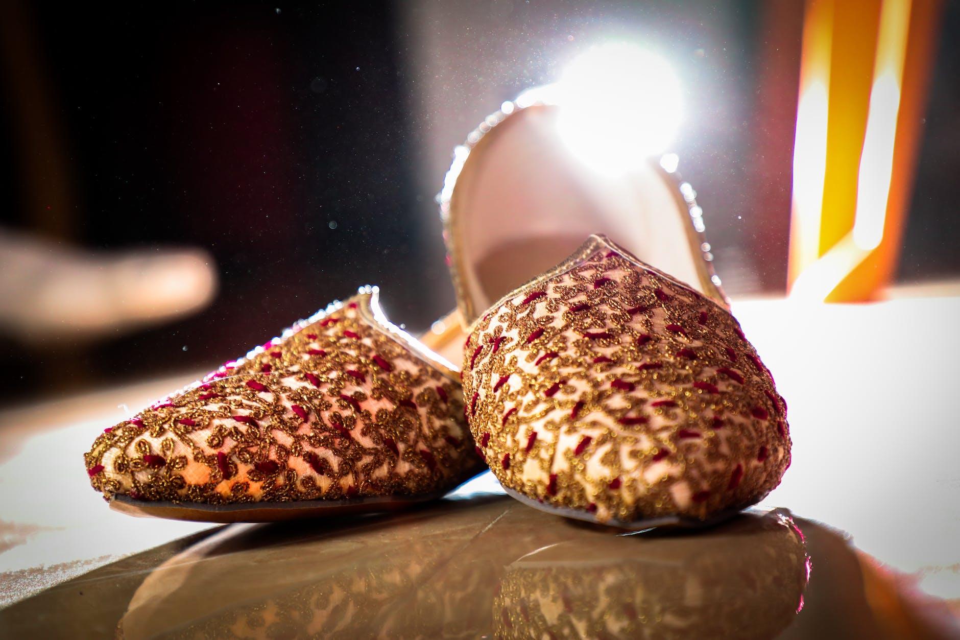 Gold sandal's