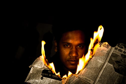 Foto stok gratis api, fotografi mode, gelap, koran