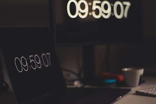 Fotos de stock gratuitas de concentrarse, dispositivo, efecto desenfocado, hora
