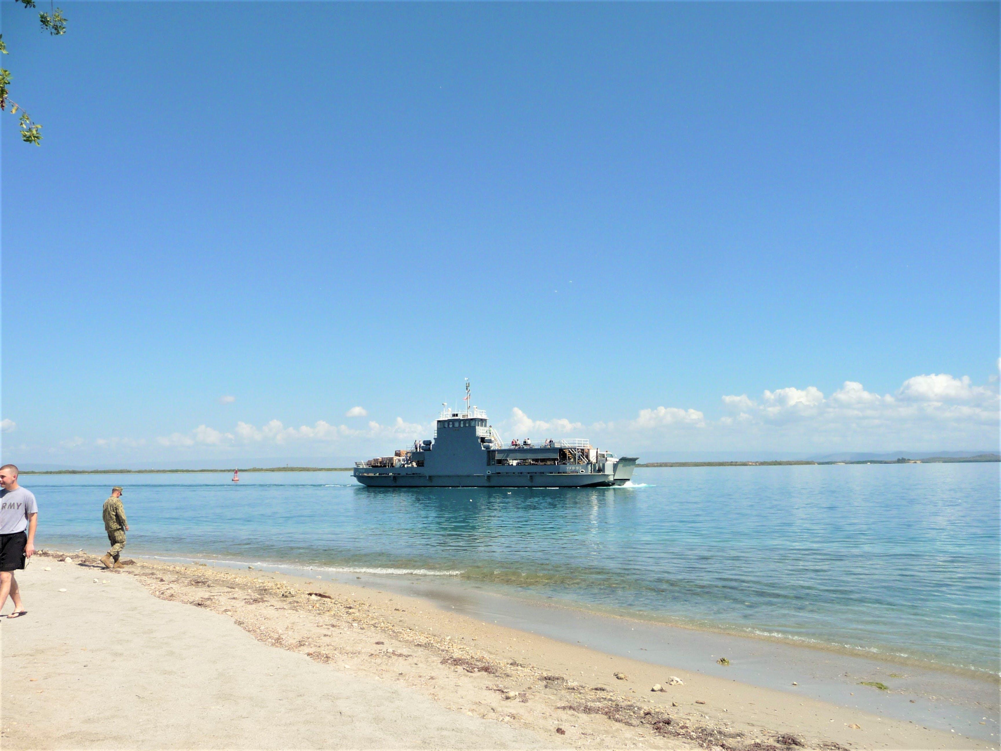 Gratis lagerfoto af færge, gtmo, guantanamo bay