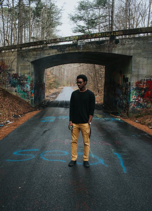 Základová fotografie zdarma na téma asfalt, denní světlo, dospělý, focení