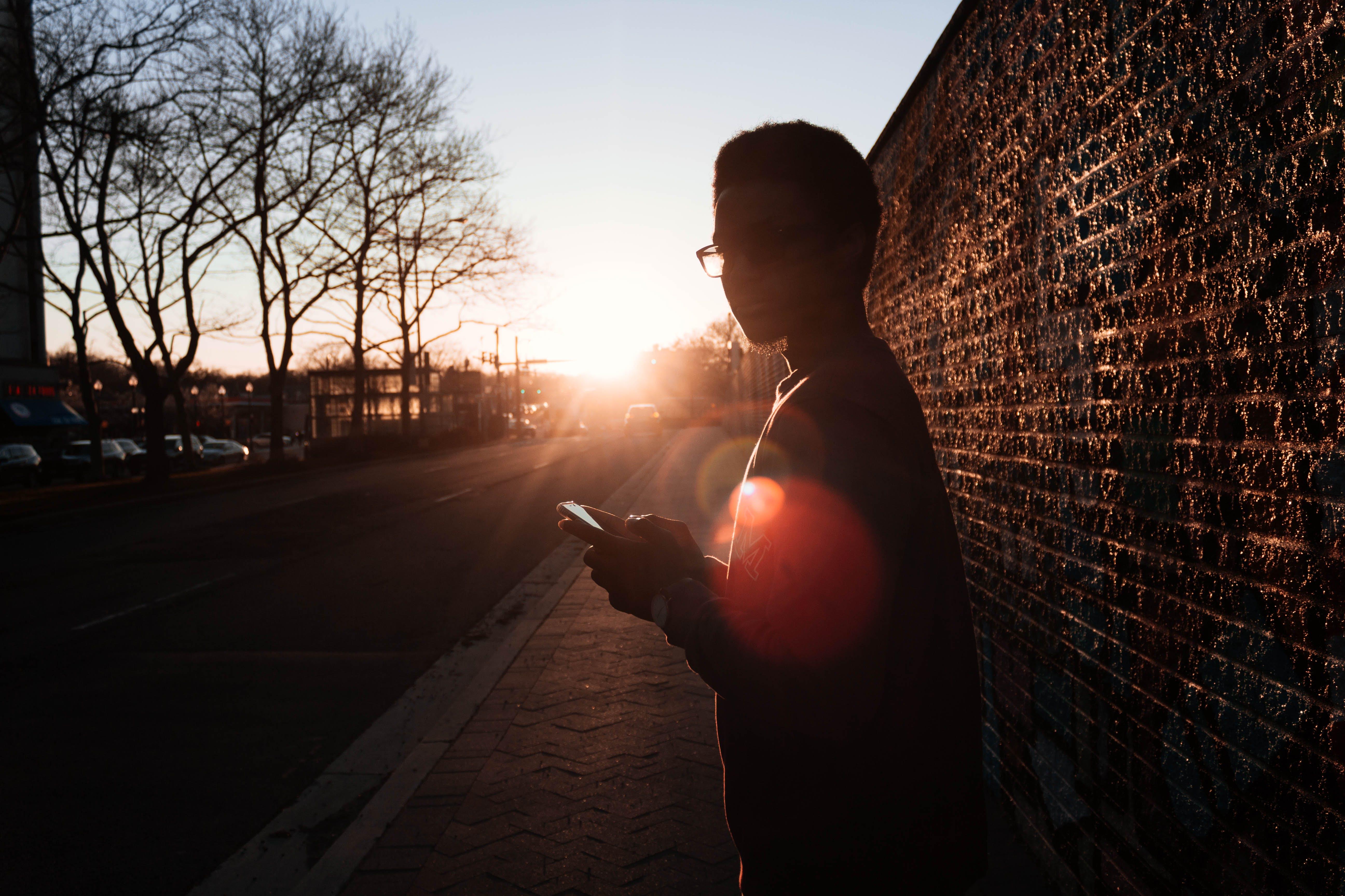 Δωρεάν στοκ φωτογραφιών με ακτίνες ηλίου, άνδρας, άνθρωπος, απογευματινός ήλιος