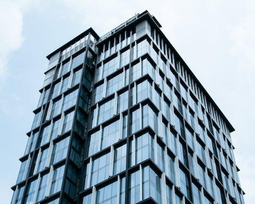 Gratis stockfoto met architectuur, binnenstad, drinkglas, gebouw